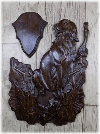 Trójelementowa rzeźbiona podkładka pod drapieżnika #004 (1)